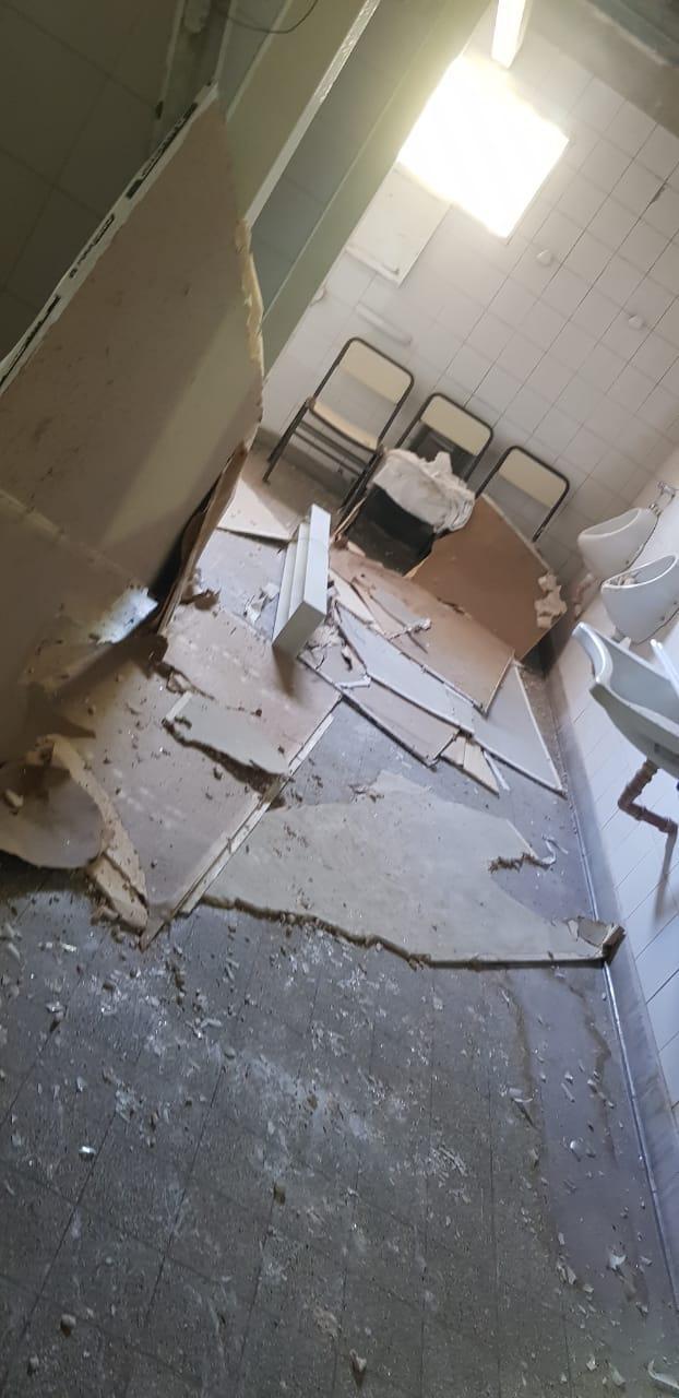 El estado de los techos provocó filtraciones que afectaron las historias clínicas